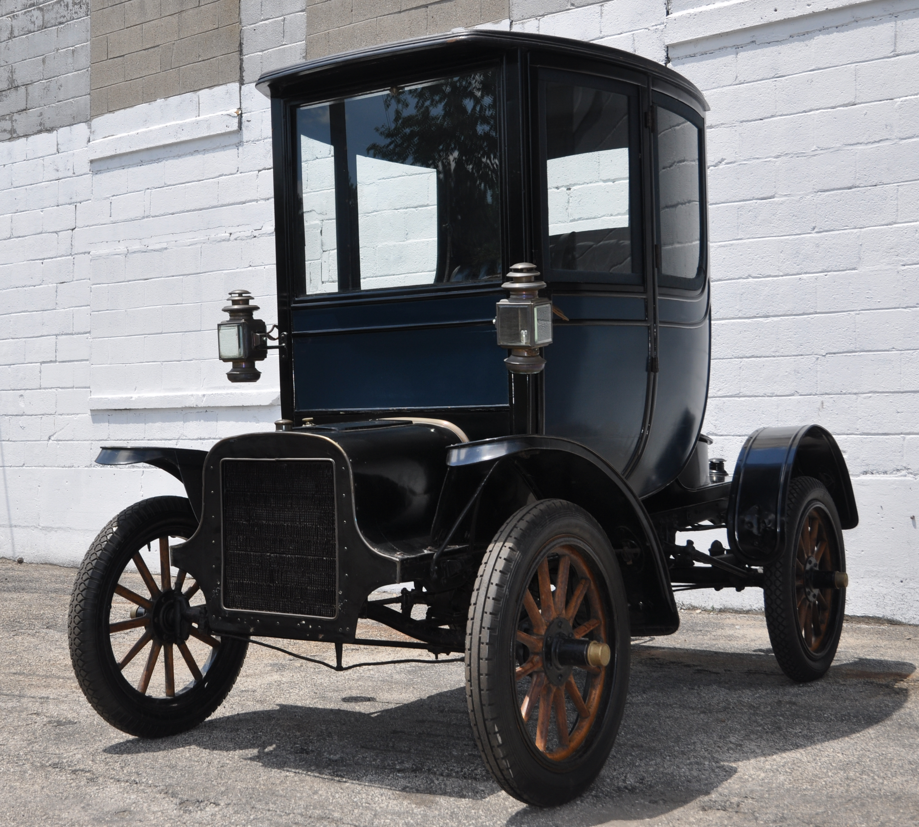 first cadillac ever made 1905 cadillac look what we found. Black Bedroom Furniture Sets. Home Design Ideas