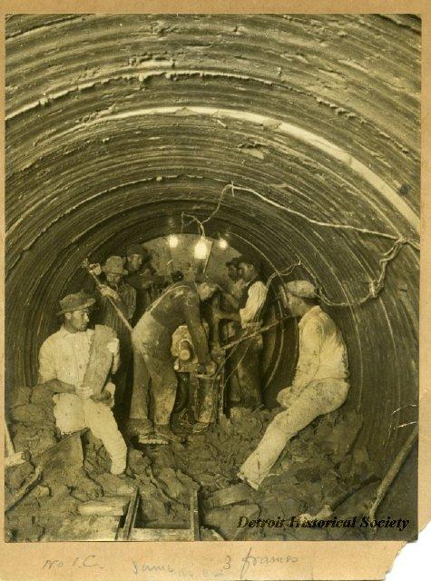 Seven Workmen Photo 1907 2013045373